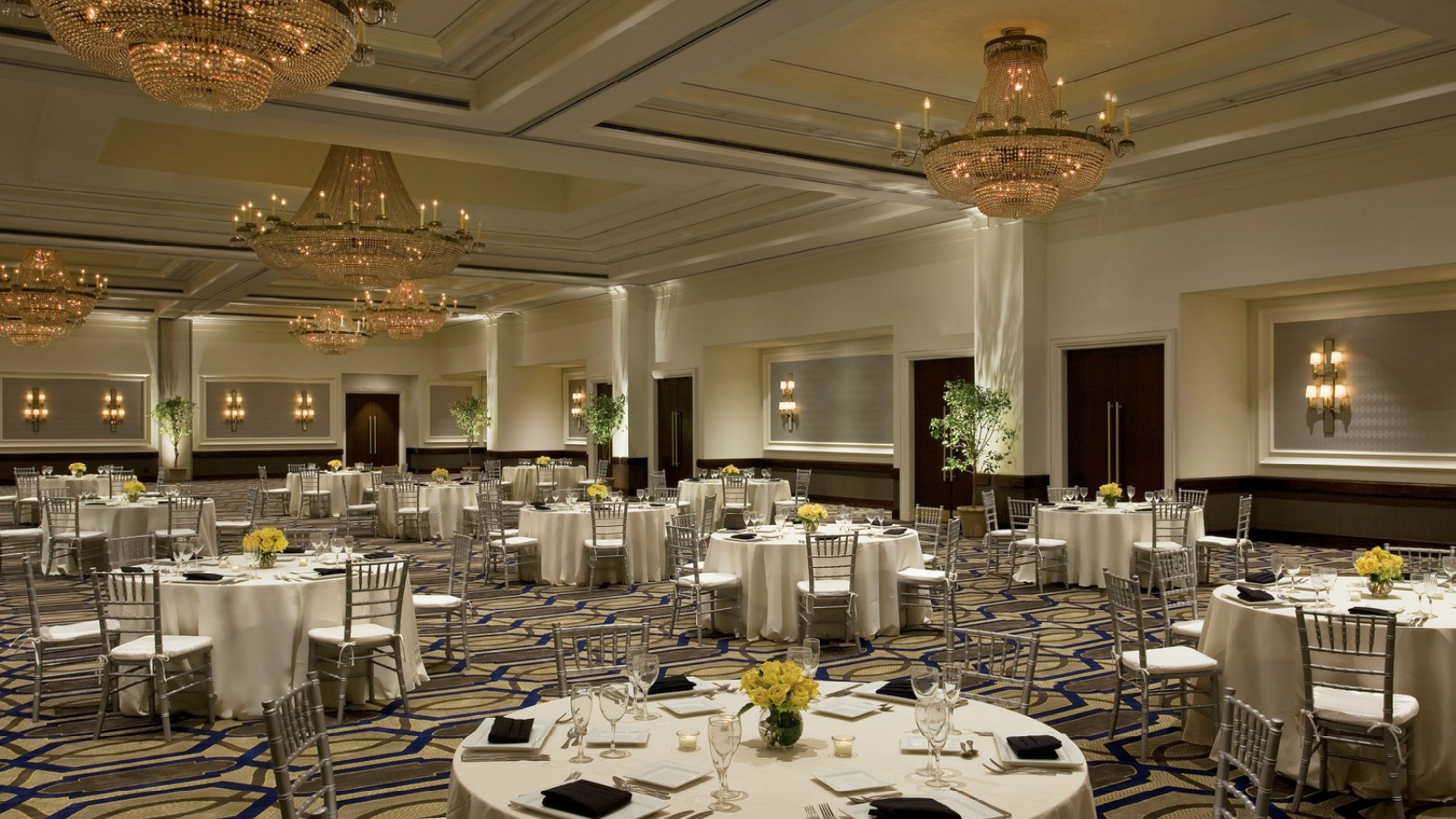 Philadelphia wedding venues sheraton philadelphia society hill hotel grand ballroom junglespirit Images